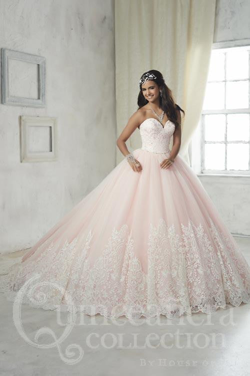e81ca34a843 Lace Ball Gown with a Sweetheart Neckline and a Zip-Up Back – Rina s ...