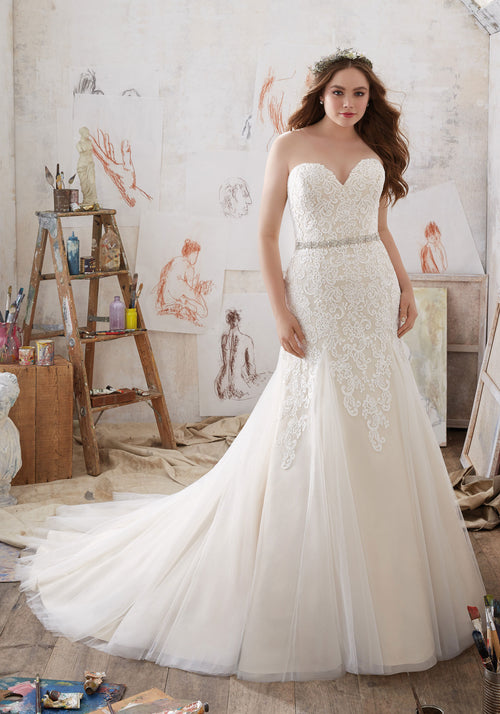 2104 Mila Wedding Dress