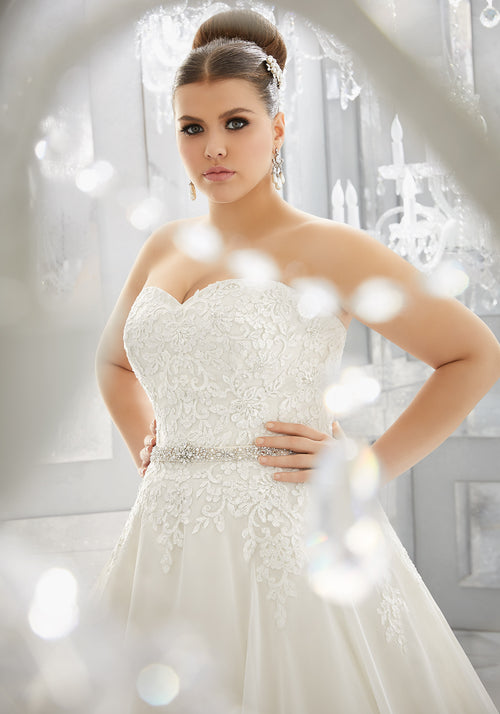 2113 Mabel Wedding Dress