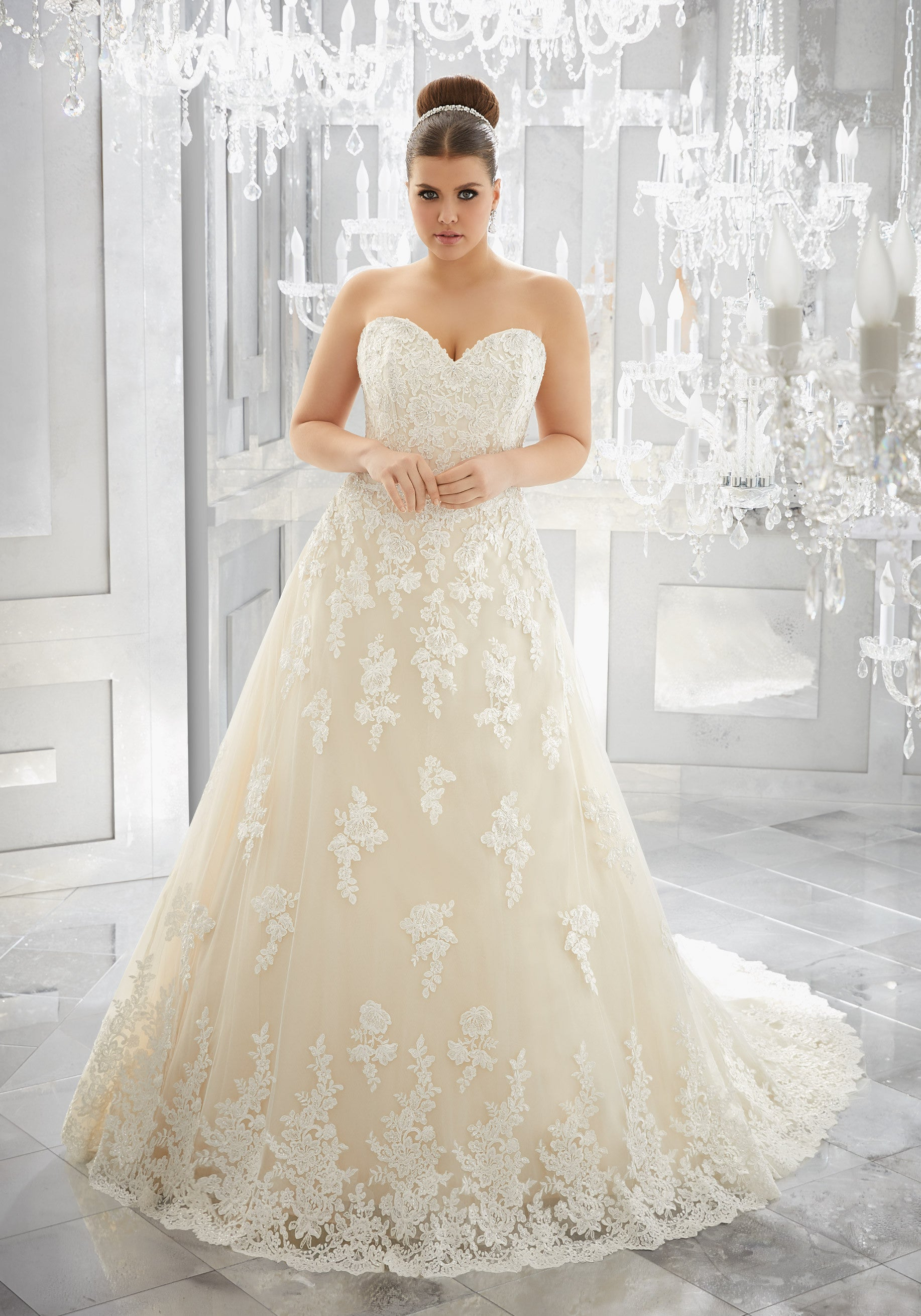 2115 Muriella Wedding Dress