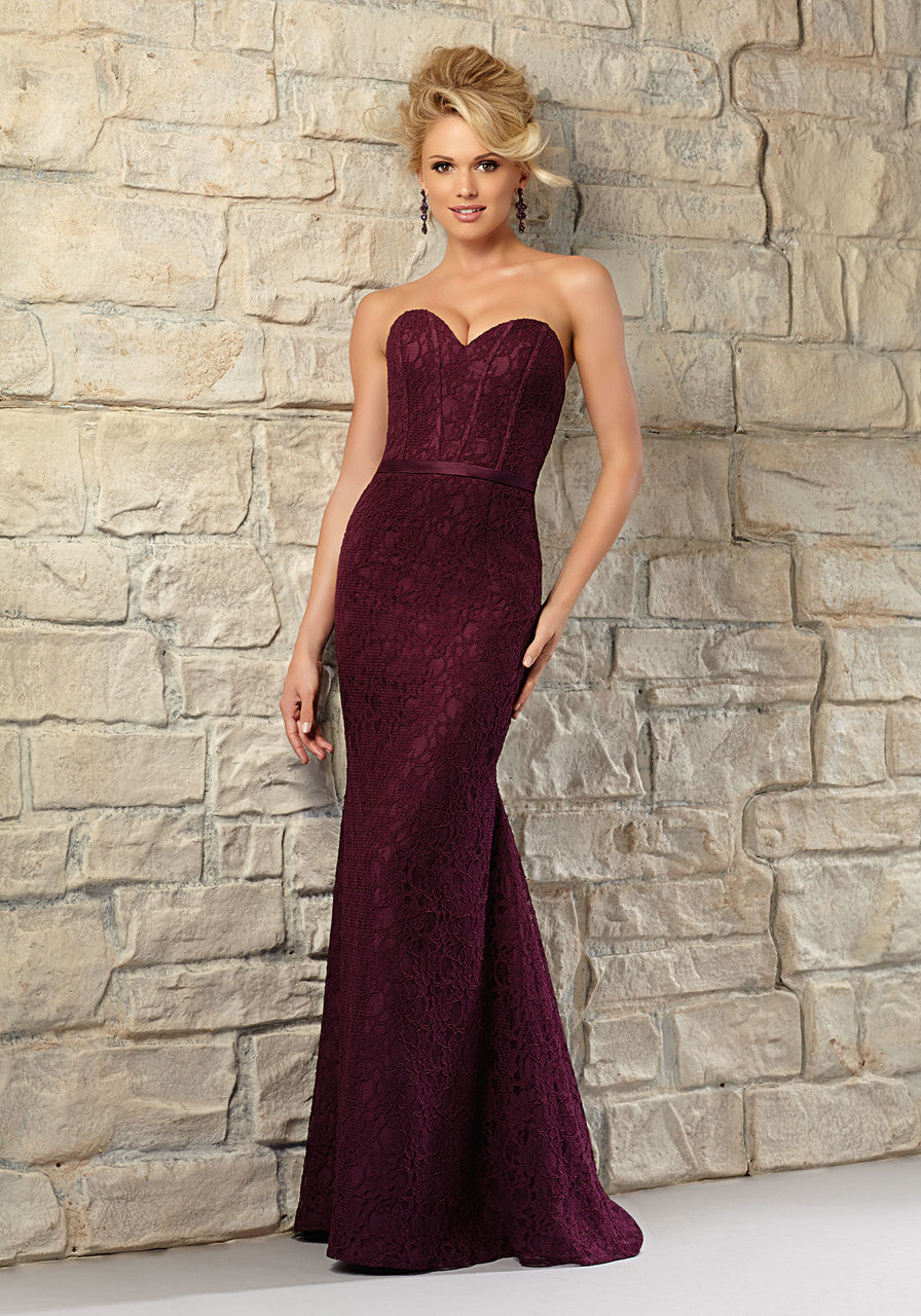 610 Long Lace Bridesmaids Dress with Sweetheart Neckline
