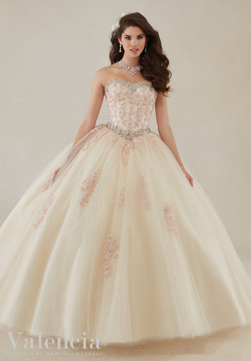 ae72243042c 89086 Lace applique and beading on a tulle ball gown