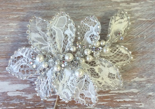 R8-3153 Bridal Headpiece with Pearls and Lace Detail