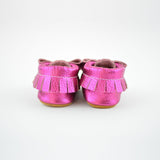 "RTS Hot Pink Metallic Bow Moccs with Tan Suede Leather Soles Size 3 (12-18M)(5"")"