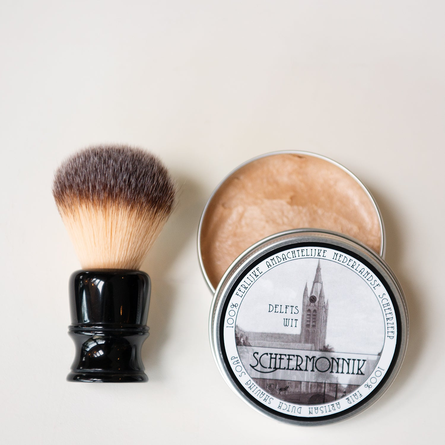 SCHEERMONNIK  My name is Henri van Gool. I have experienced good shaving products at a store Manandshaving.nl. More like a hobby I got involved in honing and sharpening of straight razors and got enthusiastic for starting a business of my own.  Until a few years ago there was no artisanal soap production company in the Netherlands.  All nice shaving soaps available were produced by companies abroad.