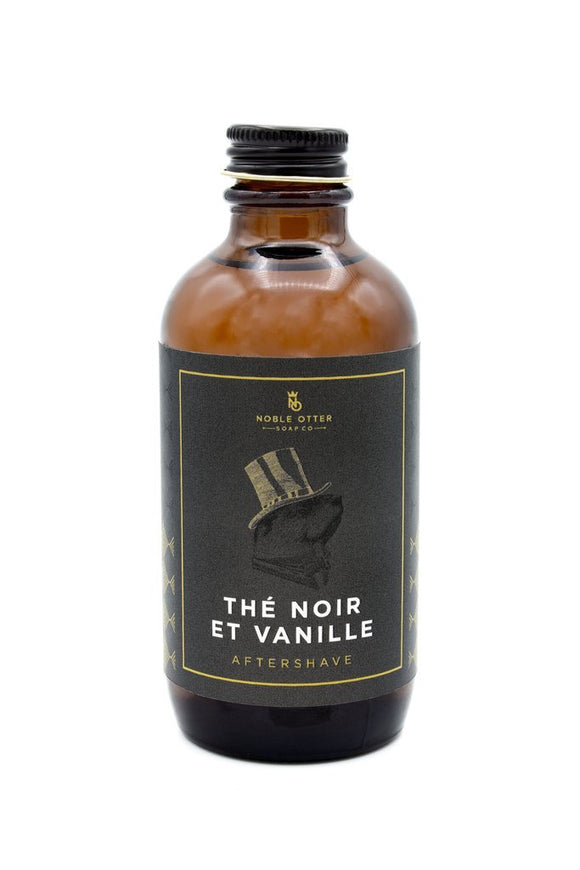 Thé Noir et Vanille, which translates to Black Tea and Vanilla is what we envision a late night cup of tea in Paris smells like. Right away you pick up beautiful notes of loose black tea, and then you will begin to notice the subtle florals and citrus from the jasmine and bergamot, all while being engaged with a sweet and warm vanilla. Perfect for anyone who loves tea.