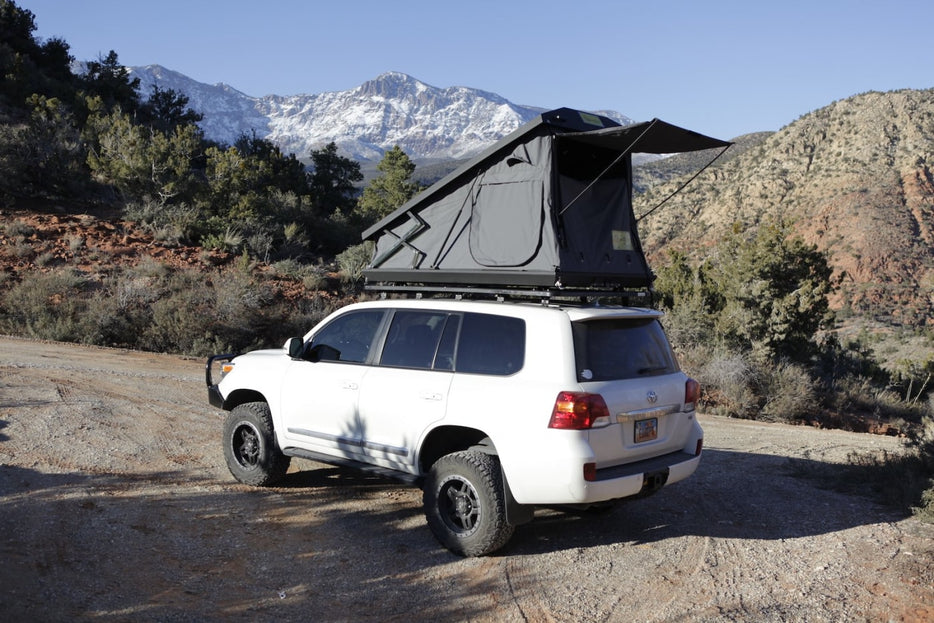 Eezi-Awn Stealth Hard Shell 4x4 Roof Top Tent - Rooftop Tent