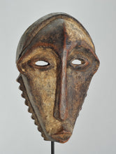Réservé / Reserved  ! Jusqu'au 9 juin / Until June 9th MC1105 Rare masque de circoncision BEMBE Congo Rdc circumcision mask