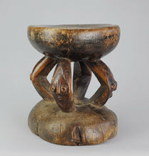 Beau tabouret africain probablement PENDE Congo African Seat Stool MC0946