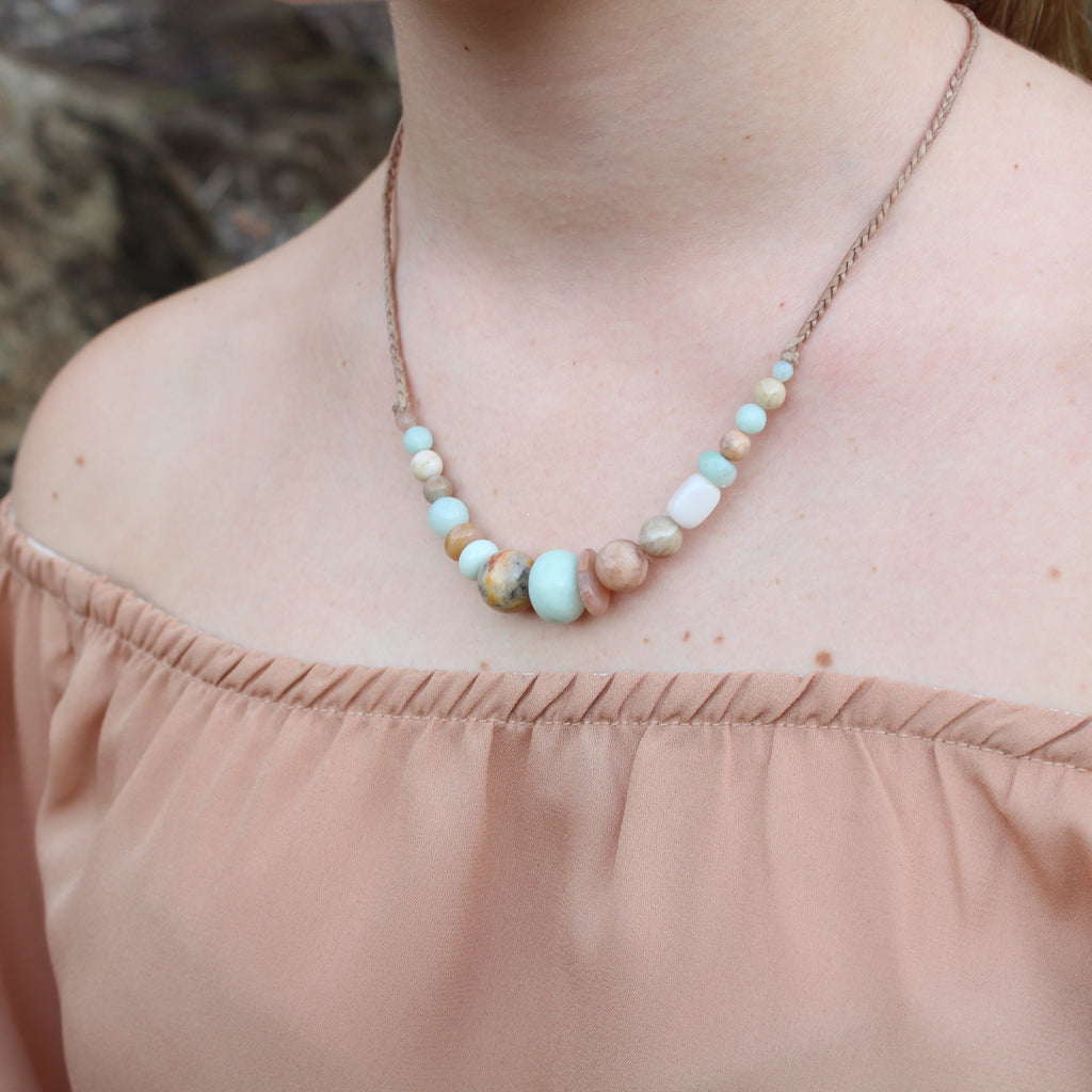 Gemstone and waxed cord necklace - Coral reef