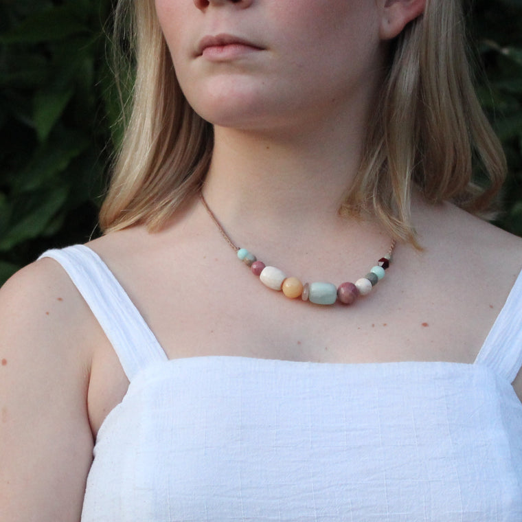 Gemstone necklace - Coral reef
