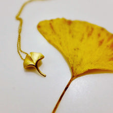 Ginkgo 18K Gold Necklace