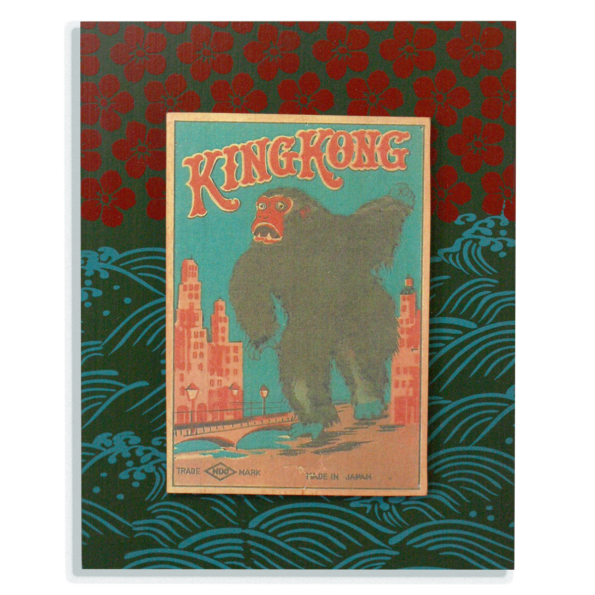 King Kong on green with waves