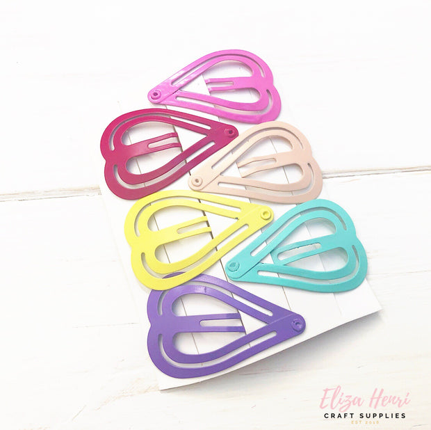 heart coloured snap clips