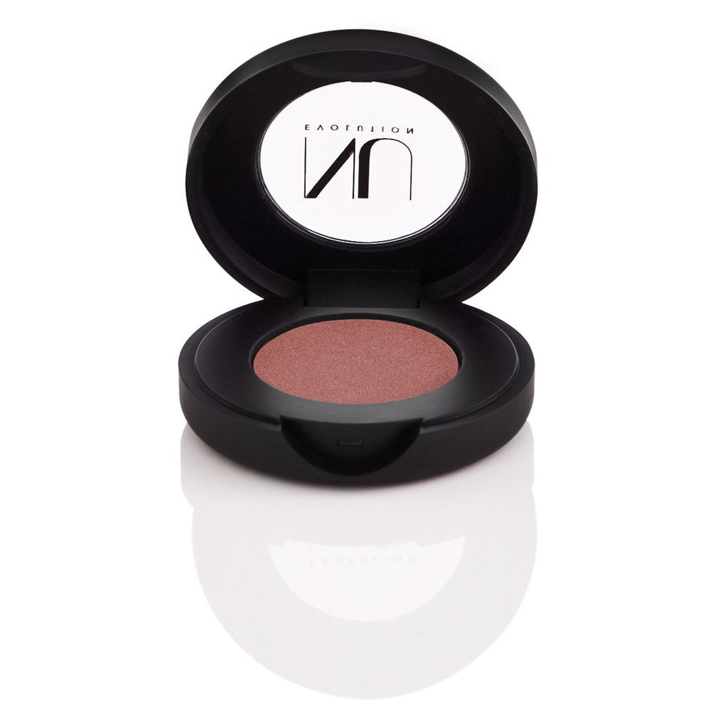 Pinot - Light burgundy eyeshadow with brown undertones