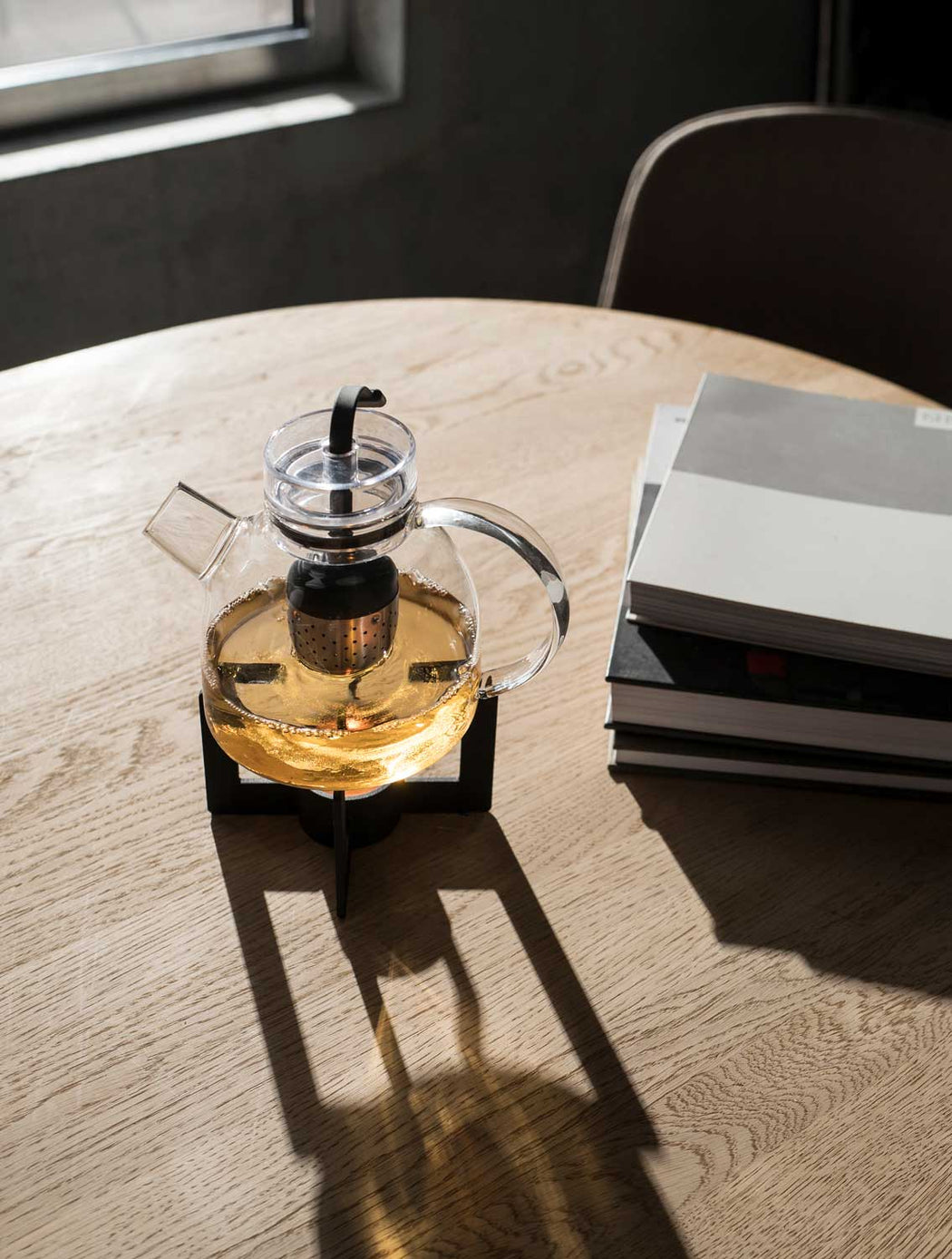 Modern Minimalist Menu Cast Tea Heater