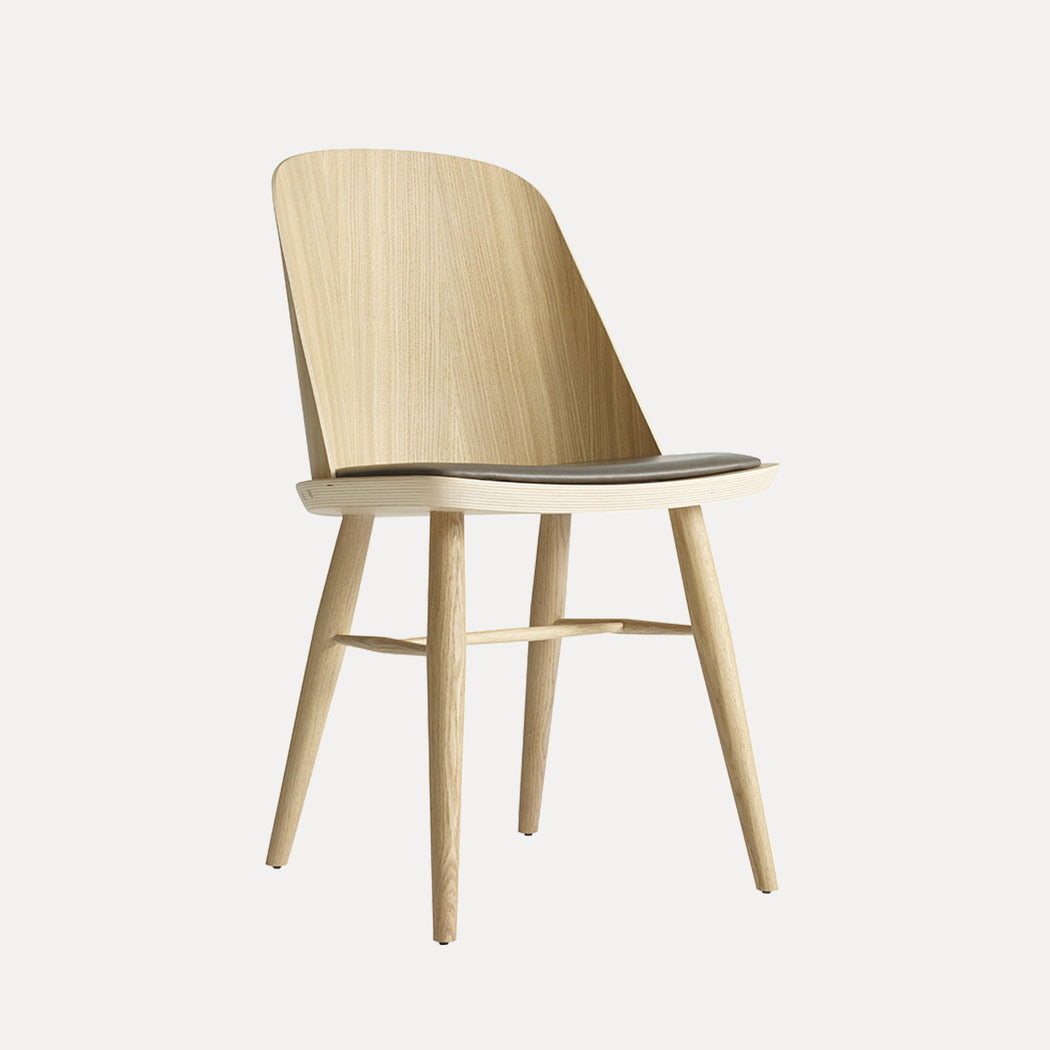 Menu Synnes Chair, Natural Oak, Grey-Brown Leather
