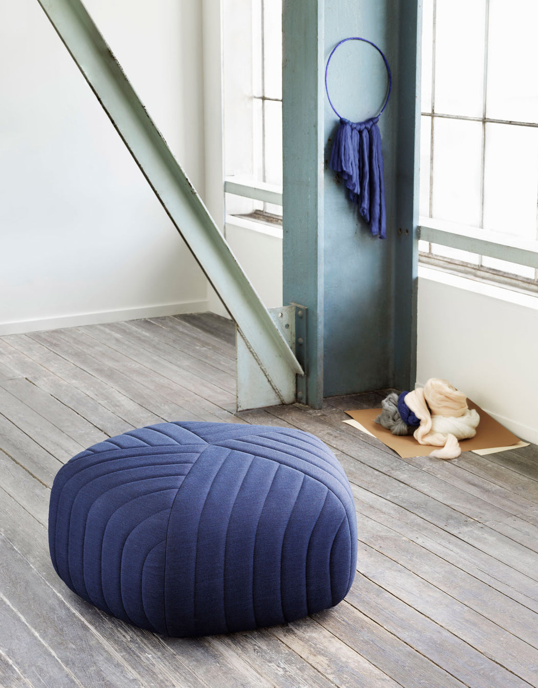 Five Pouf, Lifestyle