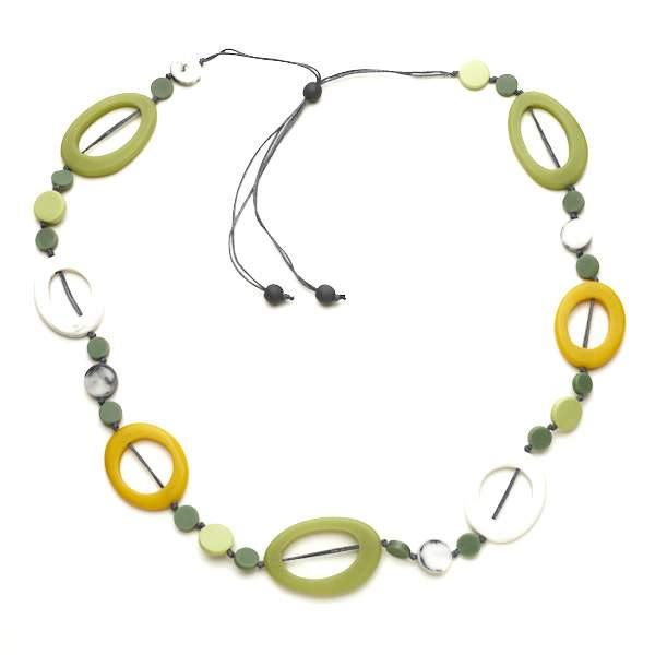 Resin Hoop & Disc Necklace - Flamingo Boutique