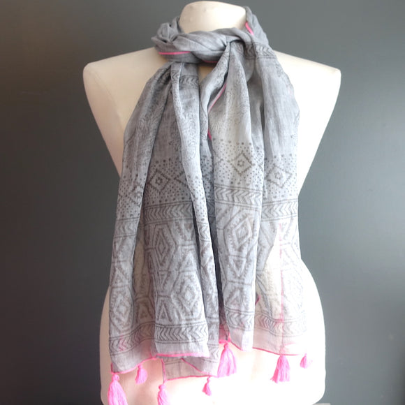 Grey & Pink Indian Cotton Scarf With Tassels - Flamingo Boutique