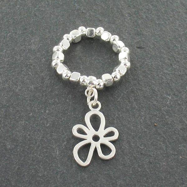 Flower Charm Ring - Flamingo Boutique