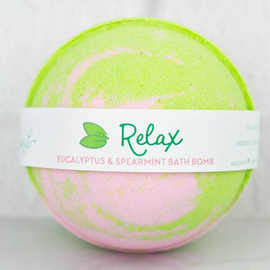Relax eucalyptus and spearmint pink and green bath bomb