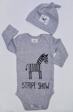 STRIPE SHOW ZEBRA ONESIE SET WITH KNOTTED BEANIE