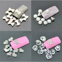 "8mm ""Diamond & White Bow"" 3D DIY Alloy Decoration x 10pcs CODE: #861A"