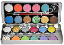 24 Grande Color Eyeshadow Palette