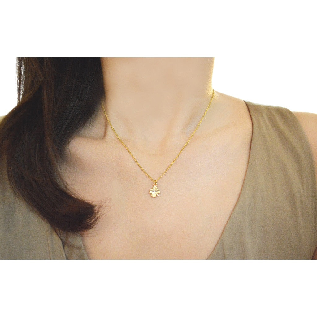 Gold lucky clover necklace