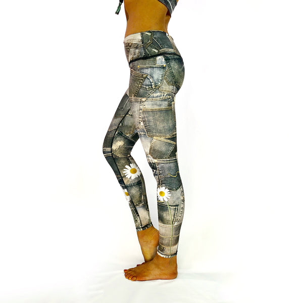 Yoganastix Eco-friendly DenimPockets with Daisies Leggings - REVERSIBLE