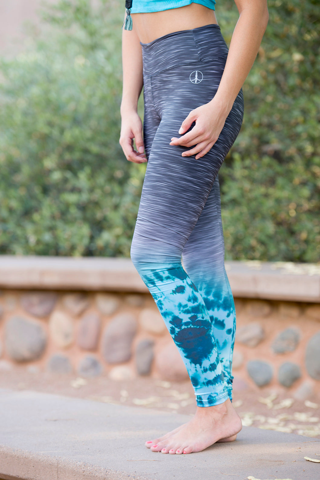 STRIATED TURQUOISE TIE DYE TIGHTS