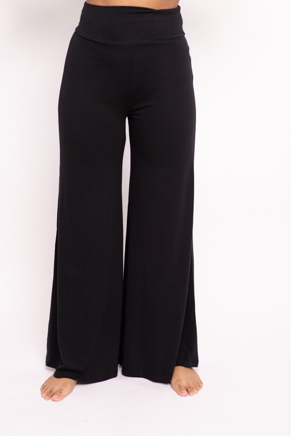 V-neck Short-sleeve and Palazzo Pant Two-Piece Set (Black)