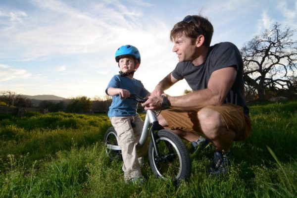 Why Kids are Better Off Without Training Wheels: My 4 Point List