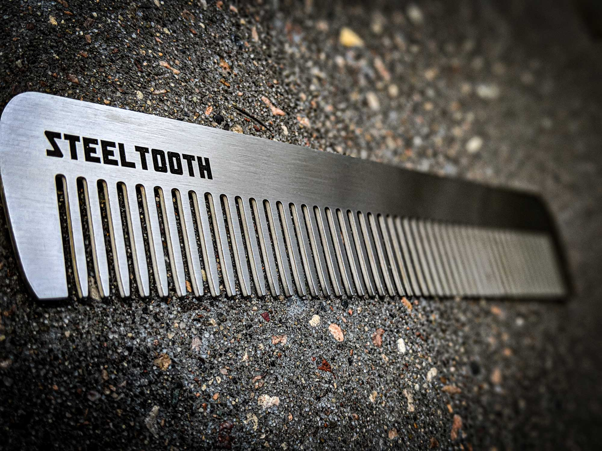 Steeltooth retro apex dresser comb made of stainless steel.