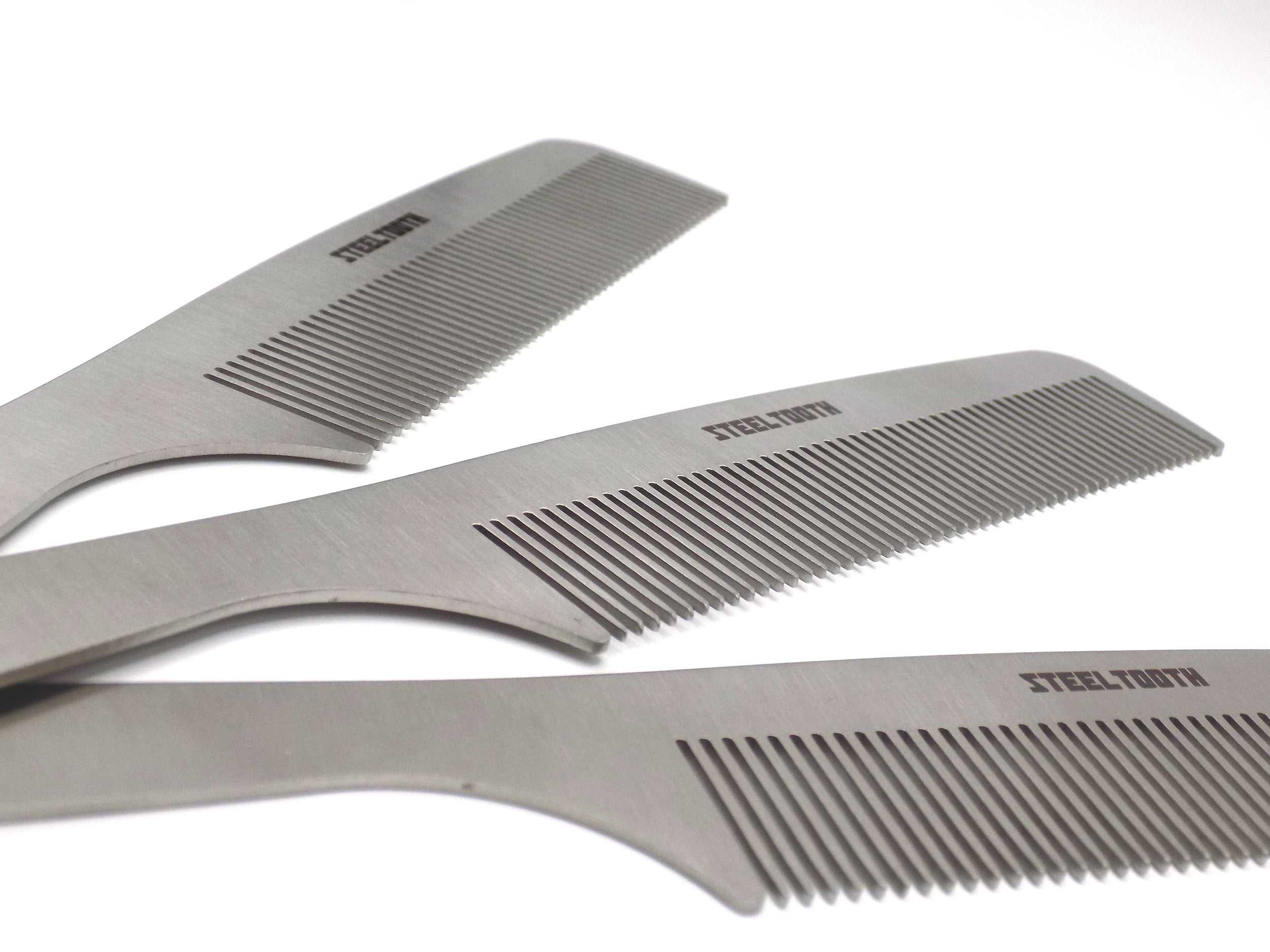 The flagship steeltooth comb model. It has a handle and the material is made of stainless steel.