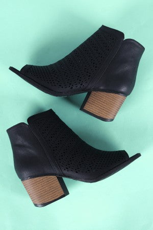 Qupid Perforated Peep Toe Chunky Heeled Ankle Boots