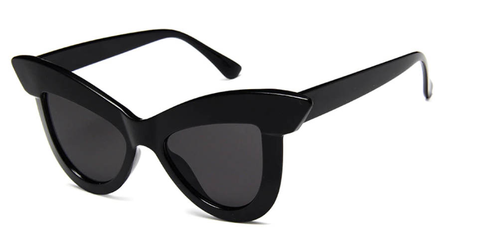 The Ava Classic 50's Sunglasses in Midnight!