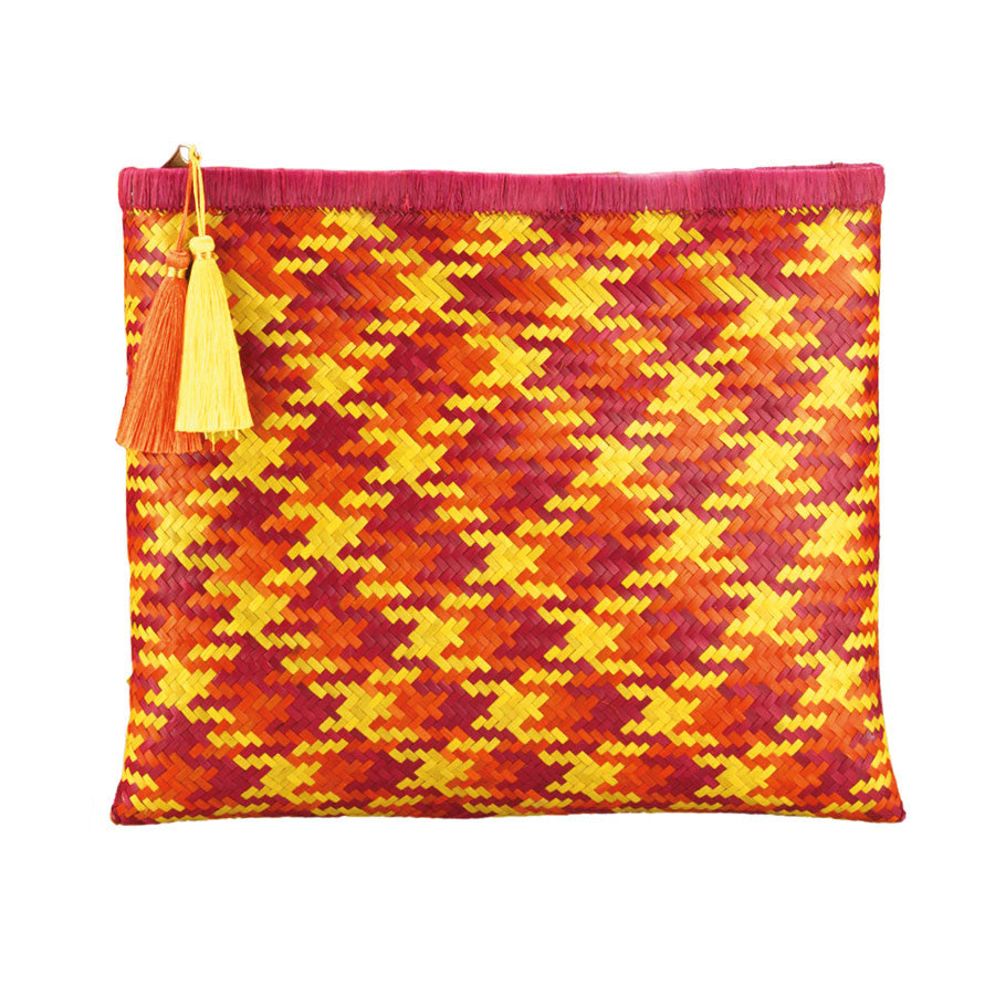 Beach Life Clutch in Sunrise Pink
