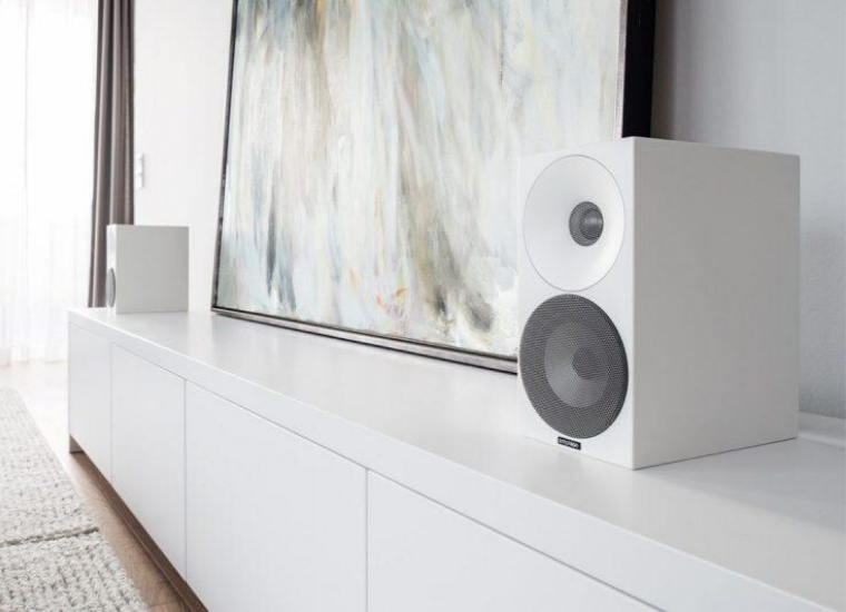 Amphion Argon0 Desktop Speaker I Gallery I Moovee Space