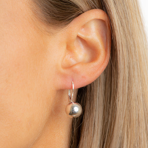ANDRIA - pending champagne earrings