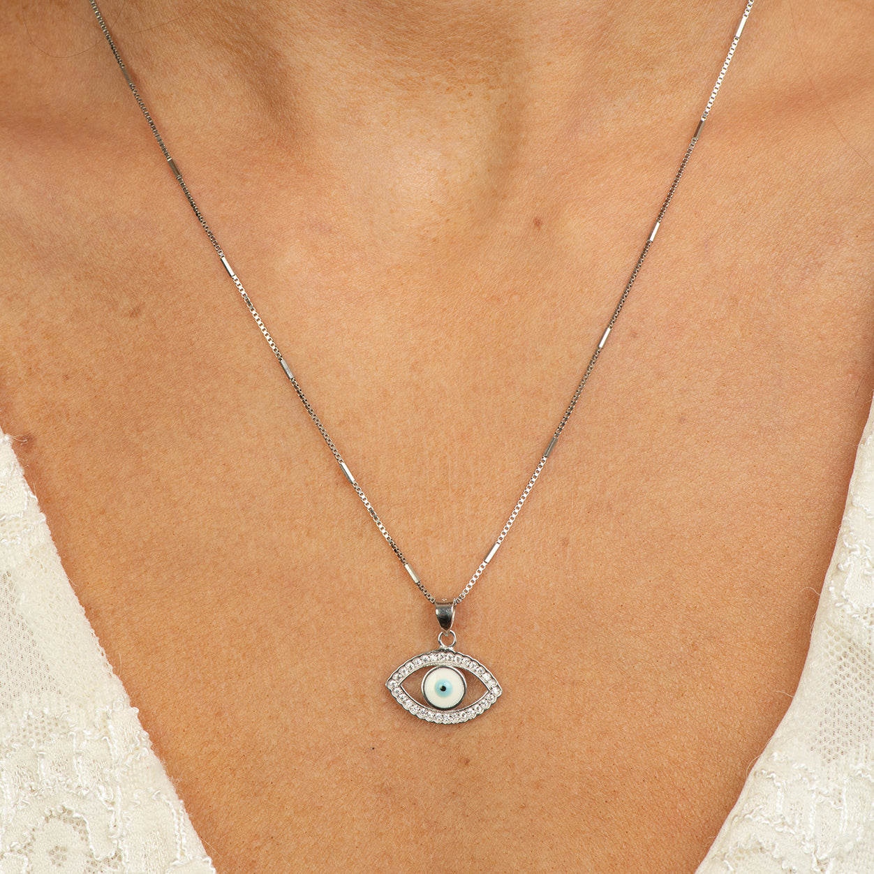 Necklace with protective eye