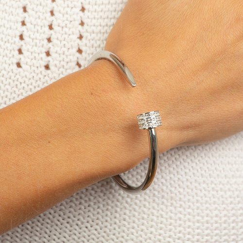 Stainless steel bangle half a nail with crystals
