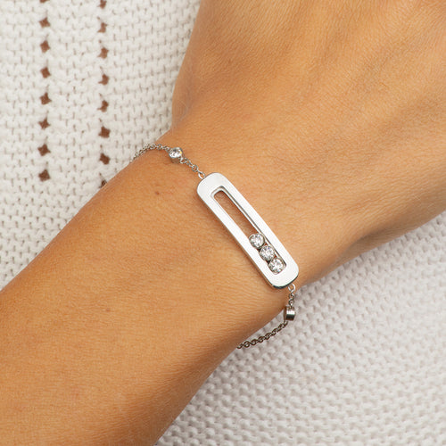 Stainless steel adjustable bracelet with 3 crystals.