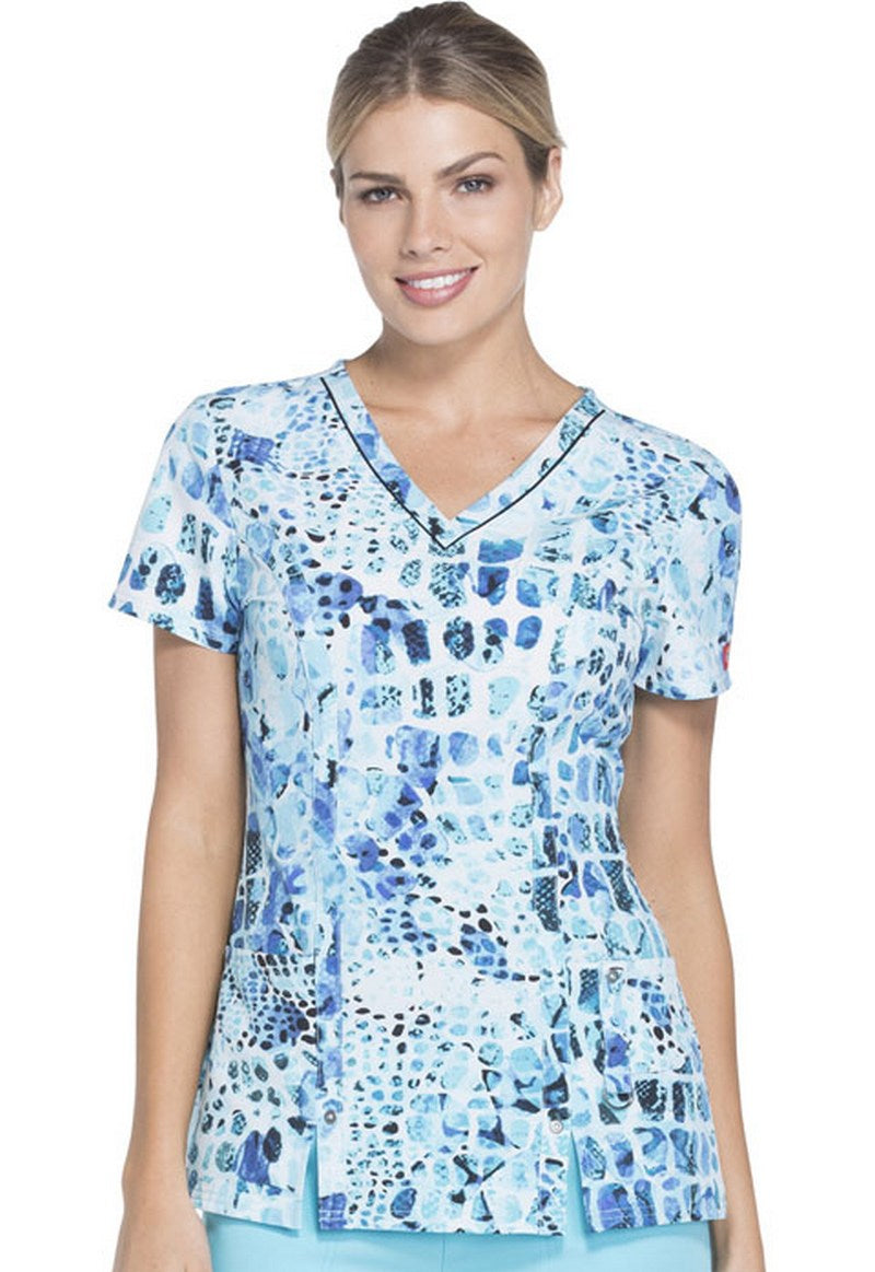 Dickies Women's V-Neck Abstract Scrub Print (Spotted On Safari)