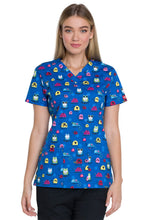 Dickies Scrub Print V-Neck Top (Cool Bugs)
