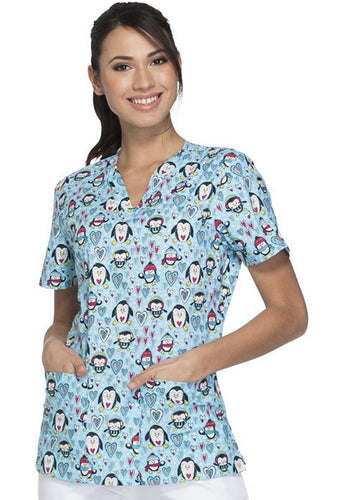 Everyday Signature Scrubs by Dickies Women's V-Neck Winter Print