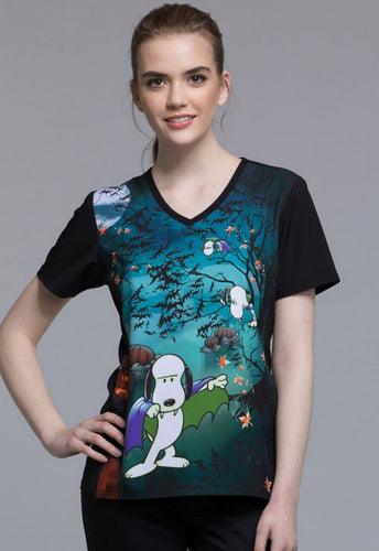 Peanuts Women's V-Neck Halloween Print Top (Count Snoop-ula)