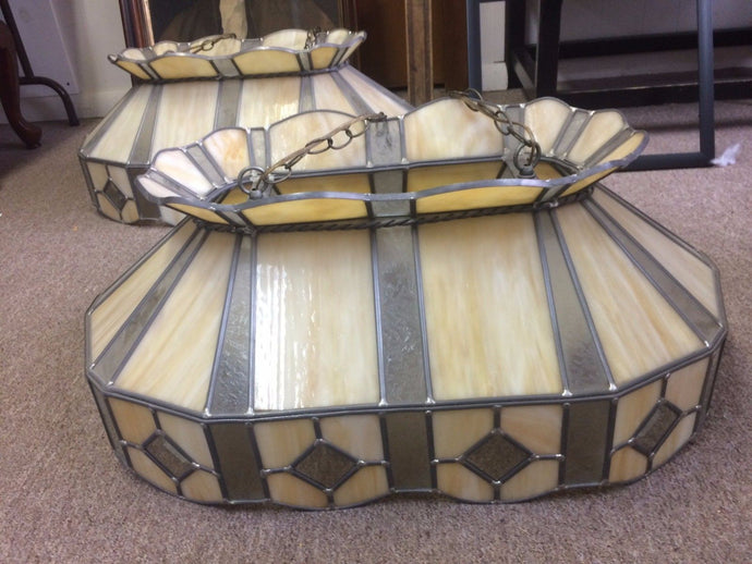 Beautiful Large Stained-Glass Tiffany Style Hanging Island Light Billard Lamp