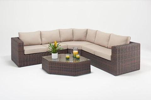 Windsor Angle Corner Suite-Windsor-Outdoor Living Experience